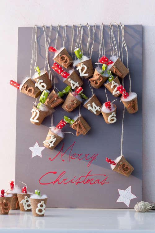 Kreative Adventskalender selber machen mit kleine Tontöpfen