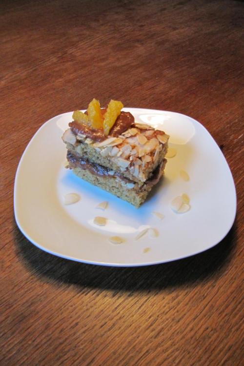 Dönastie Rezept Mandelkuchen mit Dattelmus